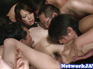 Orally pleasured asian milf enjoys threeway