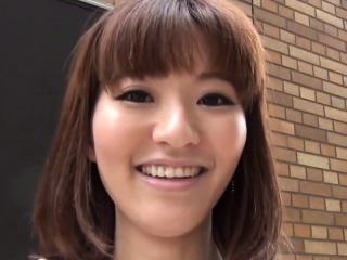 Japanese hotties flashing