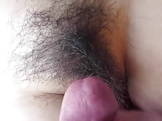 HAIRY PUSSY CUMSHOT