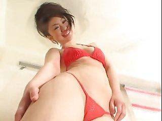 Yuka Tsubasa rubbing her clit uncensored