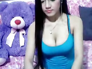 Sexy Asian Cam Girl Like To Show Her Pussy