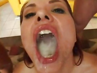 BRUNETTE SWALLOWS LOADS OF CUM