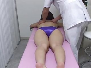 Hidden Cam i massage room, five good chicks - 1 of 2