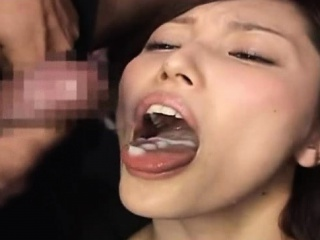 Japan Girl Gets Several Cumshots In Her Mouth